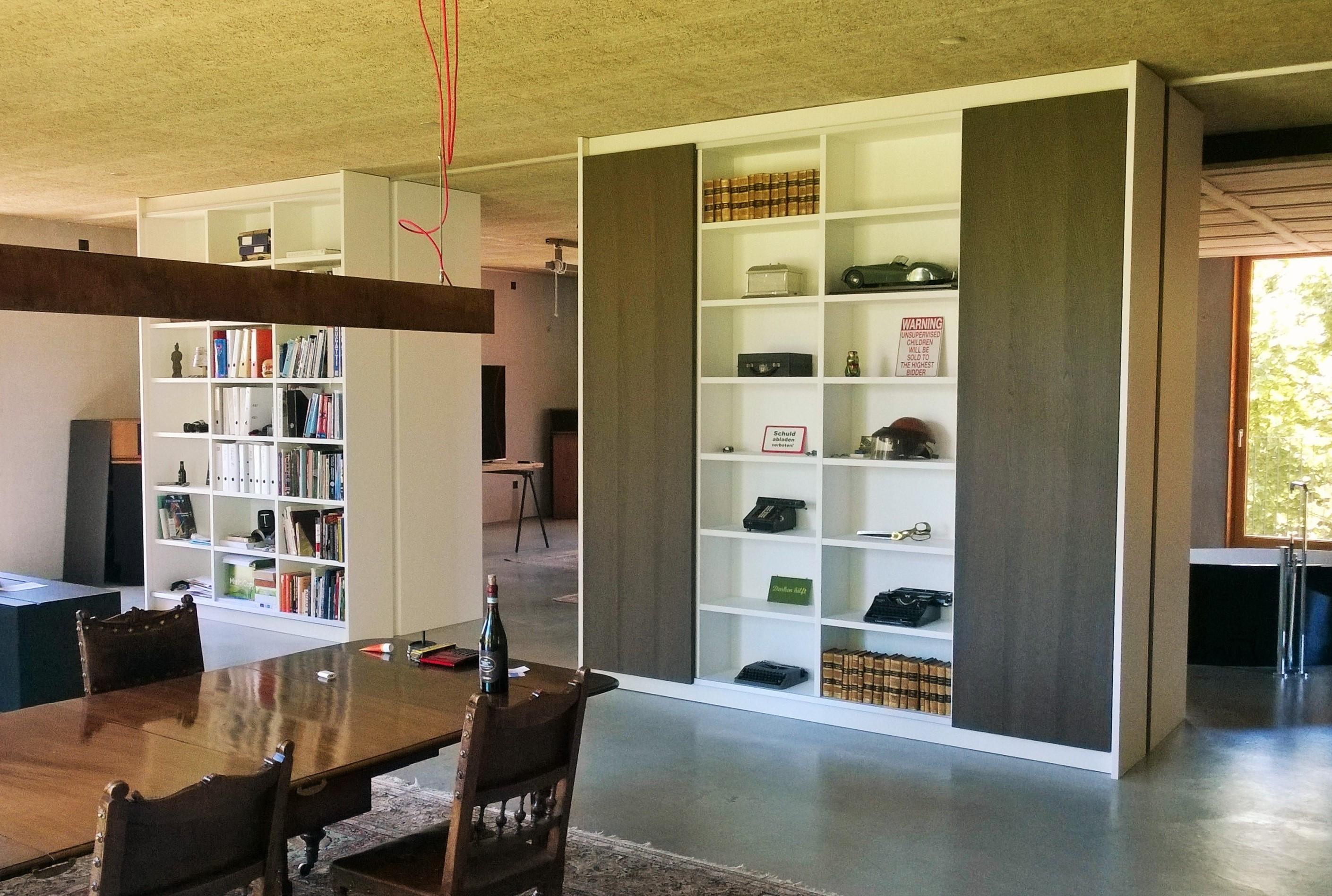 komplettausstattung eines lofts k che wohnen schlafen arbeiten und bad. Black Bedroom Furniture Sets. Home Design Ideas