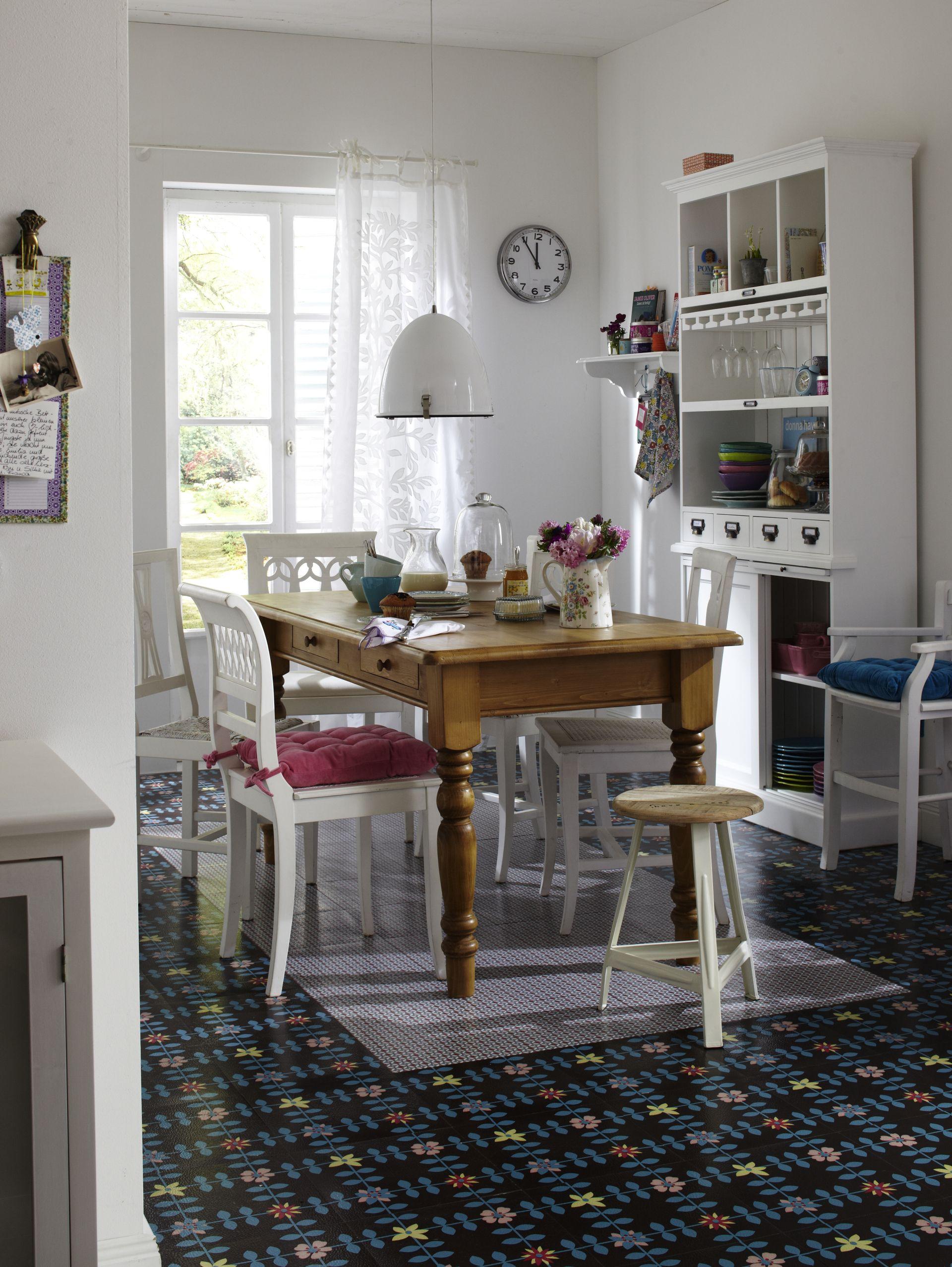 bunt gemixtes esszimmer zum wohnen und leben. Black Bedroom Furniture Sets. Home Design Ideas
