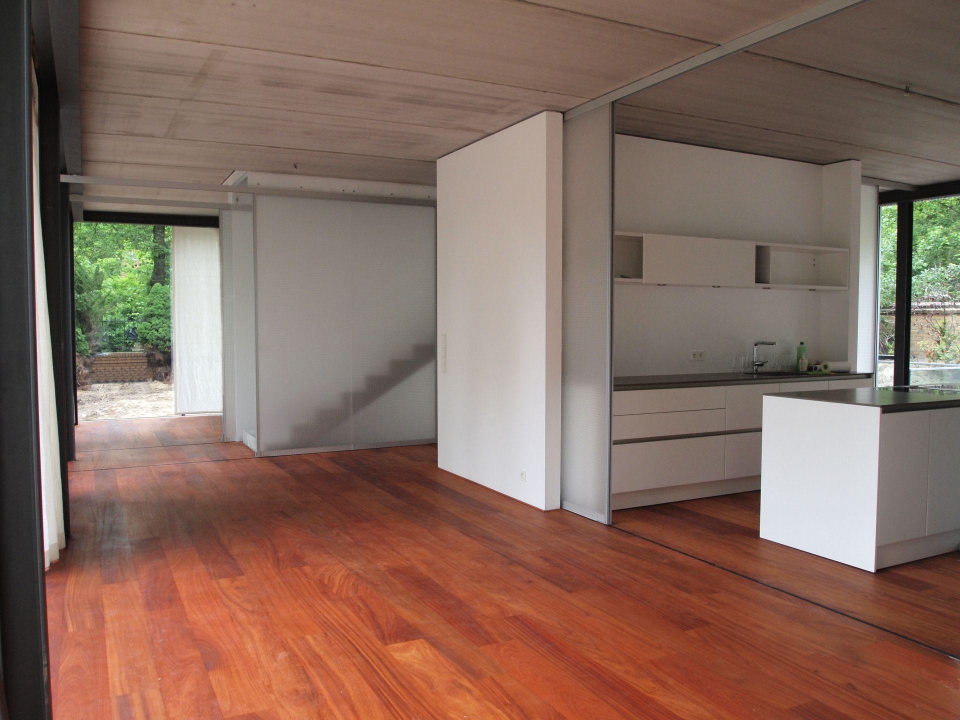 k che mit glas schiebet r. Black Bedroom Furniture Sets. Home Design Ideas