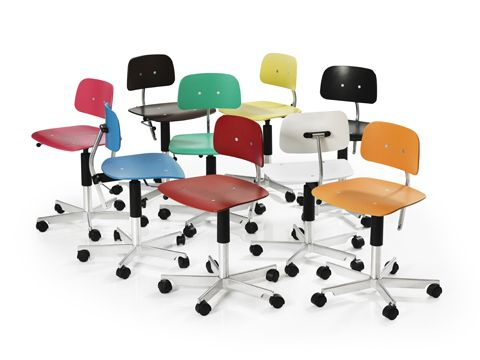 schreibtischst hle in allen regenbogenfarben. Black Bedroom Furniture Sets. Home Design Ideas