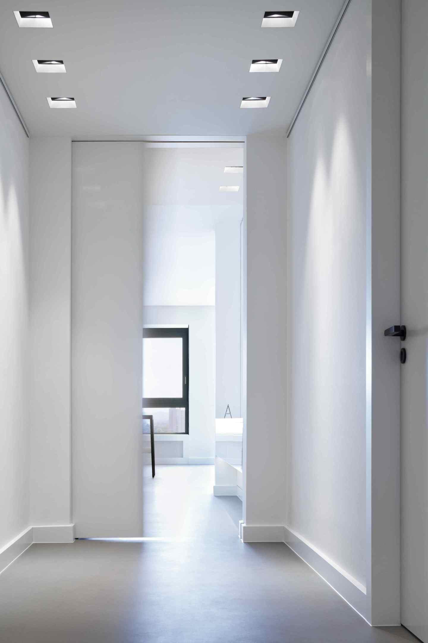 luxus dunklen flur heller gestalten fotos erindzain. Black Bedroom Furniture Sets. Home Design Ideas