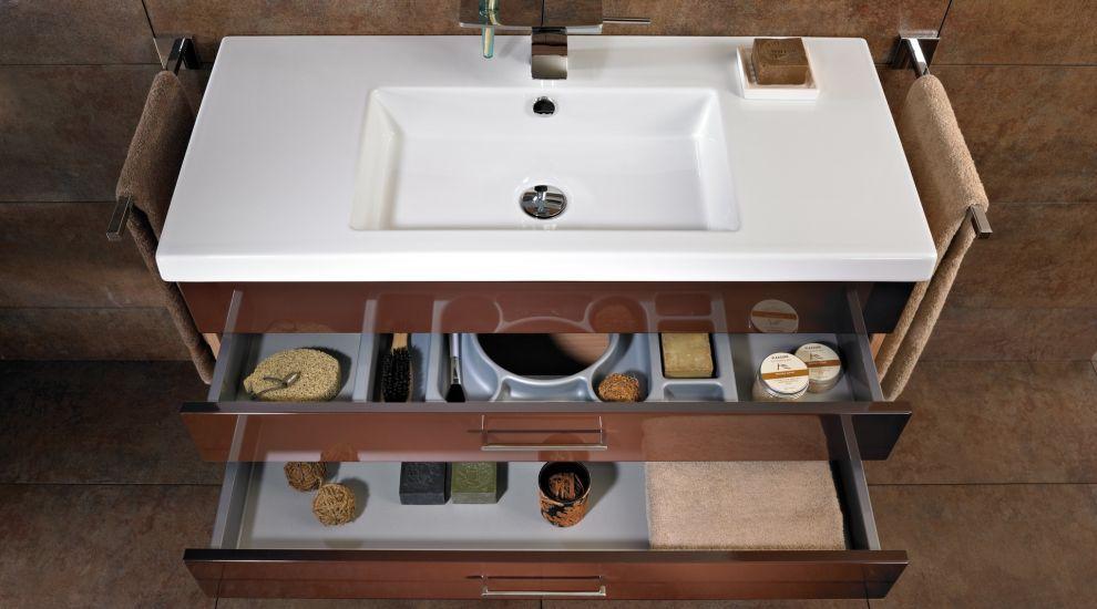 badezimmerm bel selber bauen. Black Bedroom Furniture Sets. Home Design Ideas