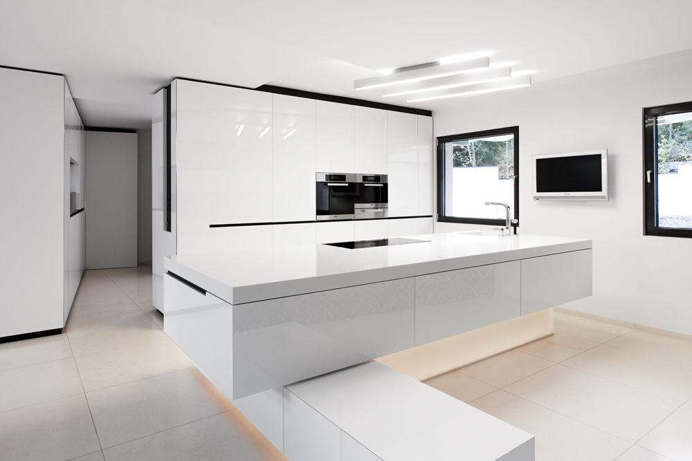 schwarz wei e k che in minimalistischem design. Black Bedroom Furniture Sets. Home Design Ideas