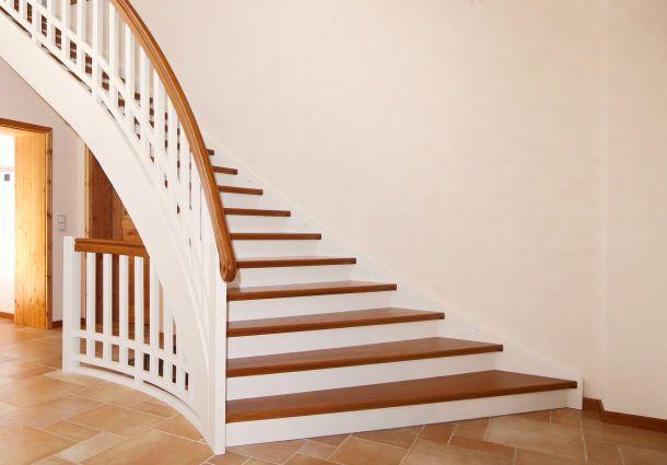 die geschosstreppe wichtiger verkehrsweg im geb ude. Black Bedroom Furniture Sets. Home Design Ideas