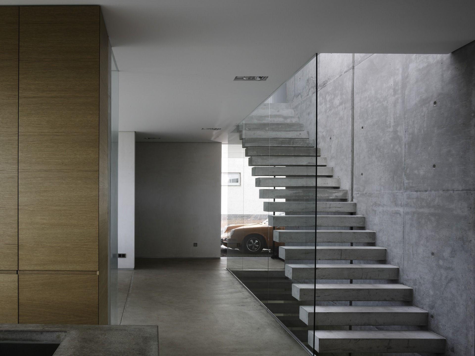 treppenkonstruktion aus beton und glas. Black Bedroom Furniture Sets. Home Design Ideas