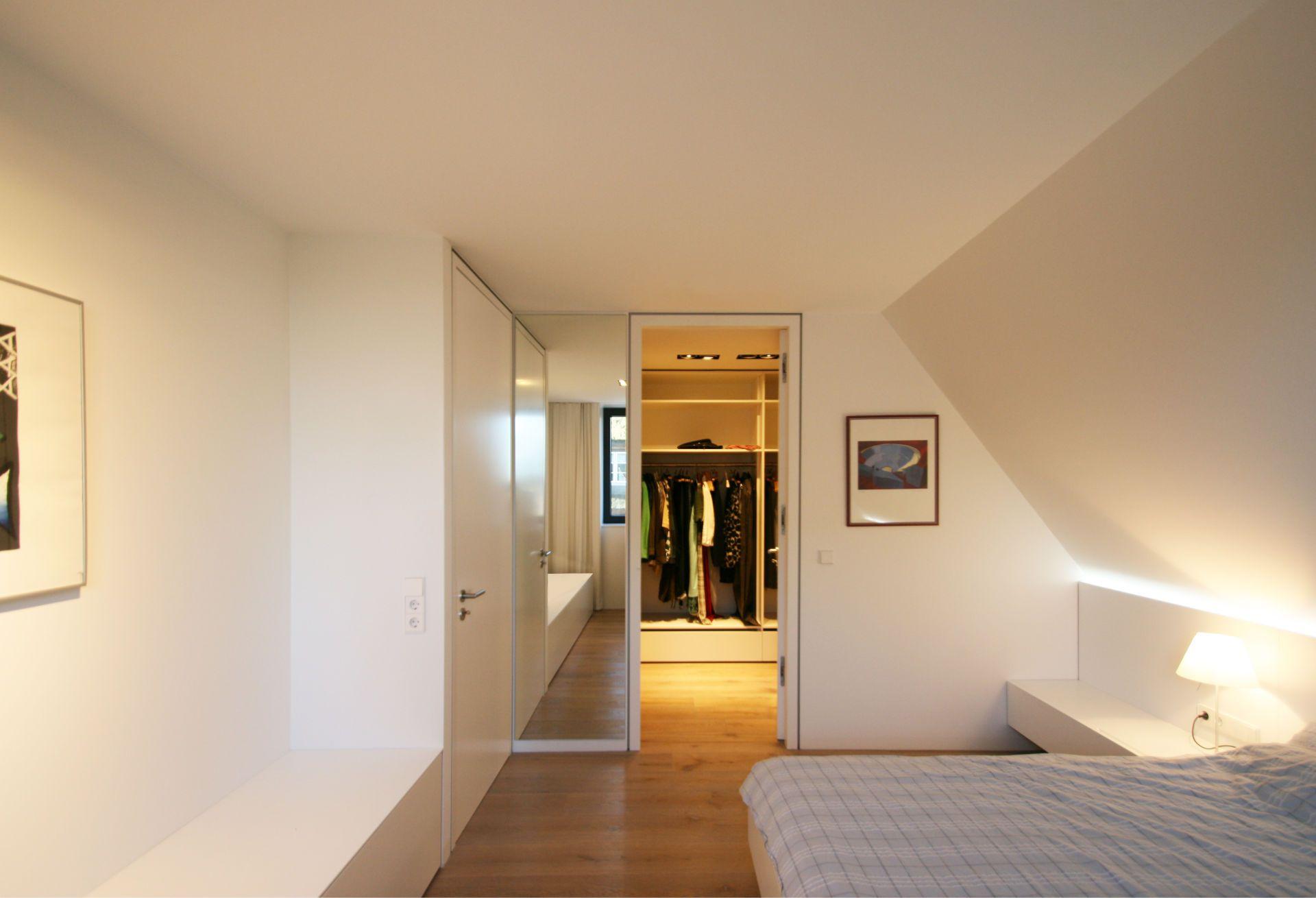 Schlafzimmer mit ankleide bilder von ankleidesystemen wie ein begehbarer - Wandanstrich ideen ...