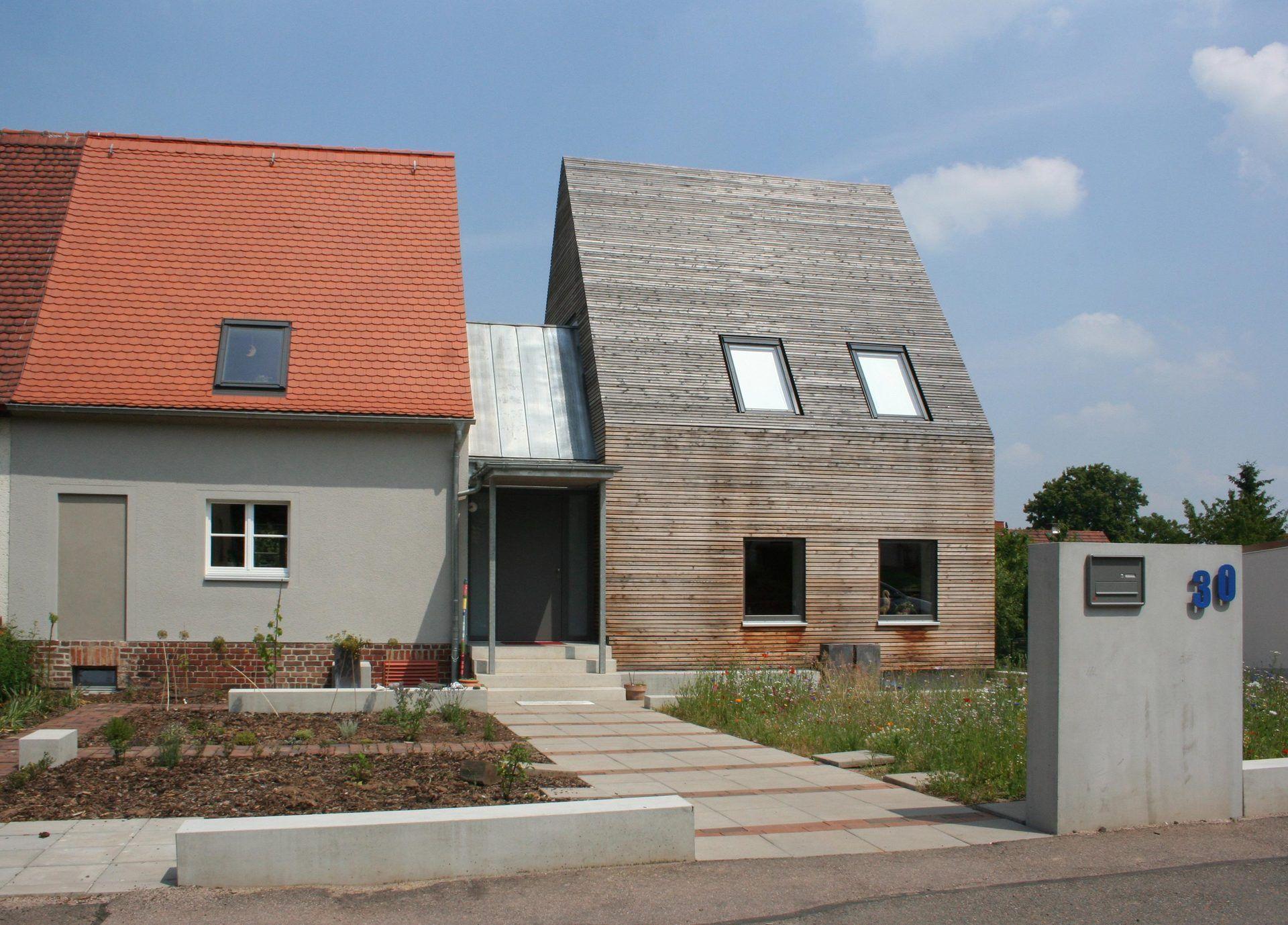 holzverkleidung für dach und fassade - bauemotion.de