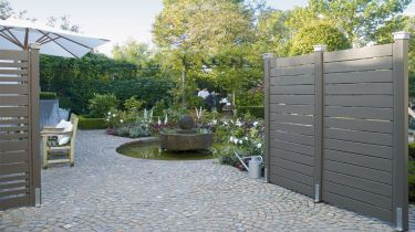 gartenz une zum eigen aufbau. Black Bedroom Furniture Sets. Home Design Ideas