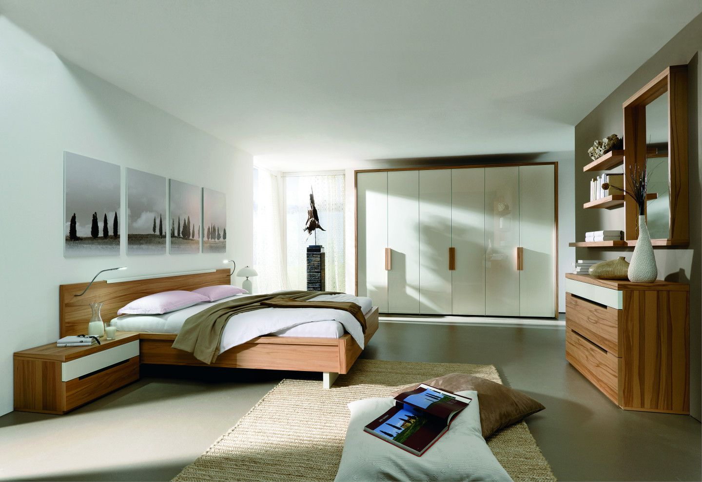schlafzimmer mit holzm beln. Black Bedroom Furniture Sets. Home Design Ideas