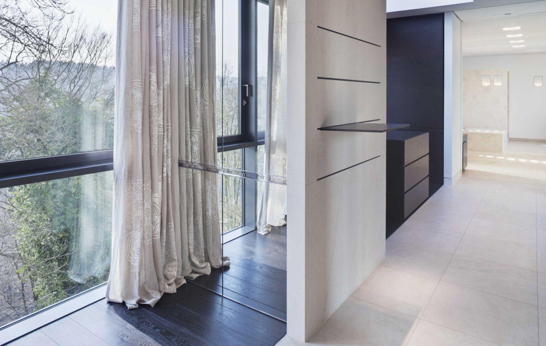 ein ankleidezimmer f r zwei. Black Bedroom Furniture Sets. Home Design Ideas