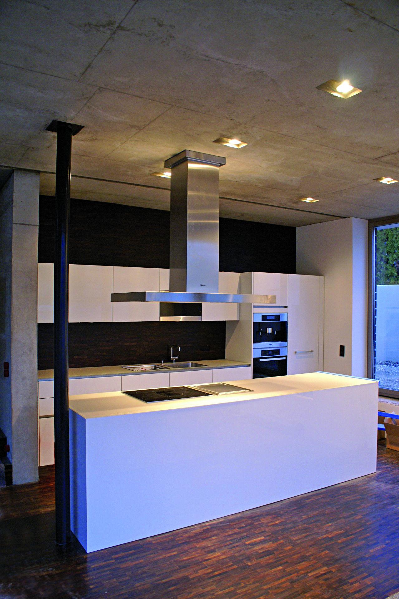 rohe architektur trifft moderne k che. Black Bedroom Furniture Sets. Home Design Ideas