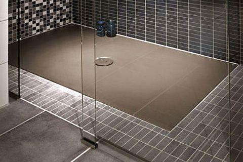 bodengleiche duschen flach und vielseitig. Black Bedroom Furniture Sets. Home Design Ideas