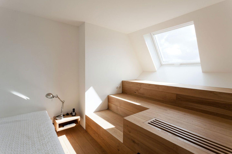 moderner dachausbau mit wohlf hlgarantie. Black Bedroom Furniture Sets. Home Design Ideas