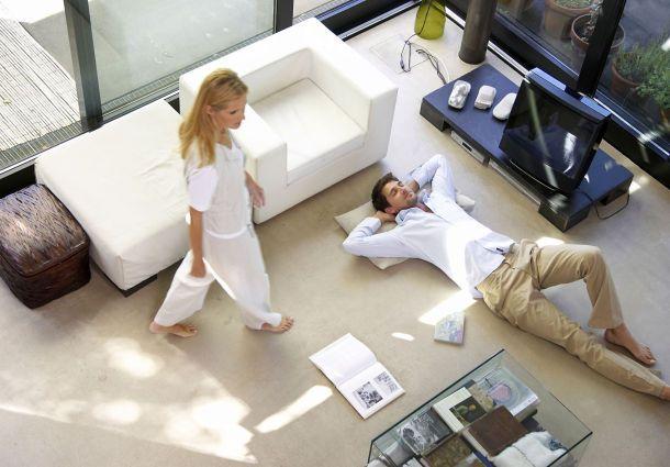 steuerung der heizung mit touchscreen oder smartphone. Black Bedroom Furniture Sets. Home Design Ideas