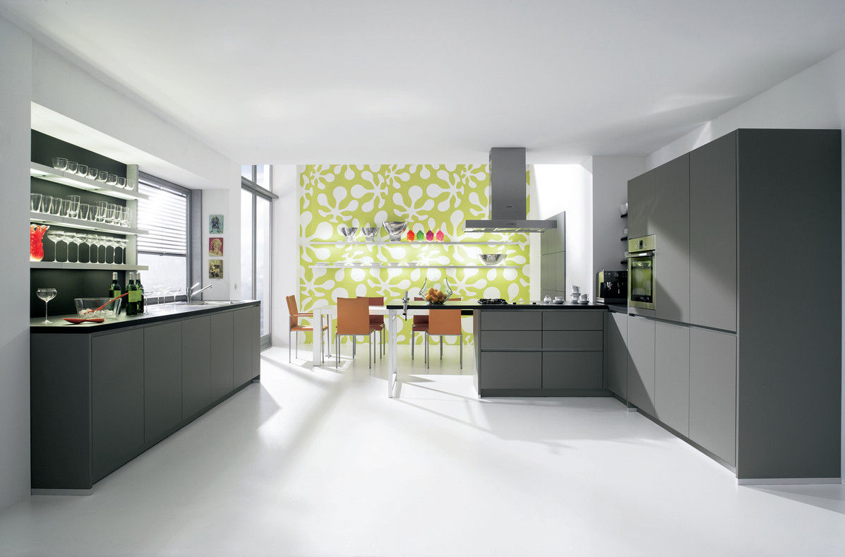 offene k che mit mattgrauen fronten. Black Bedroom Furniture Sets. Home Design Ideas