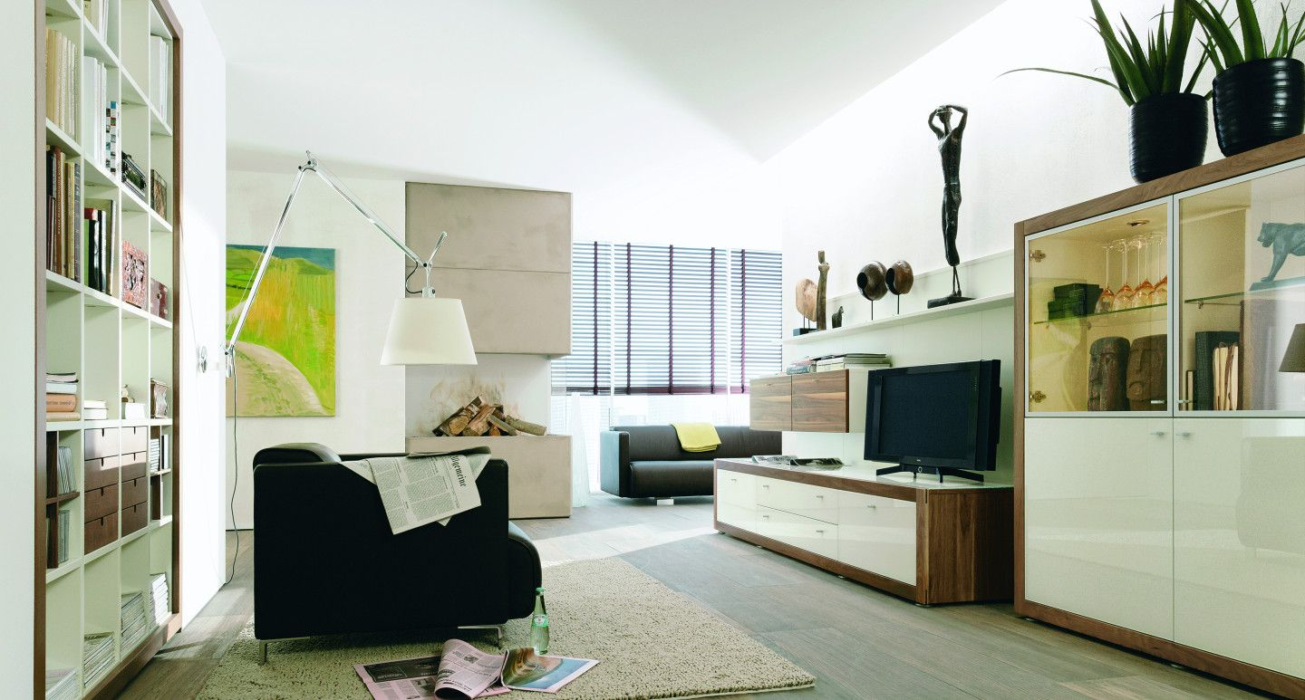 modernes wohnzimmer mit beton kamin. Black Bedroom Furniture Sets. Home Design Ideas