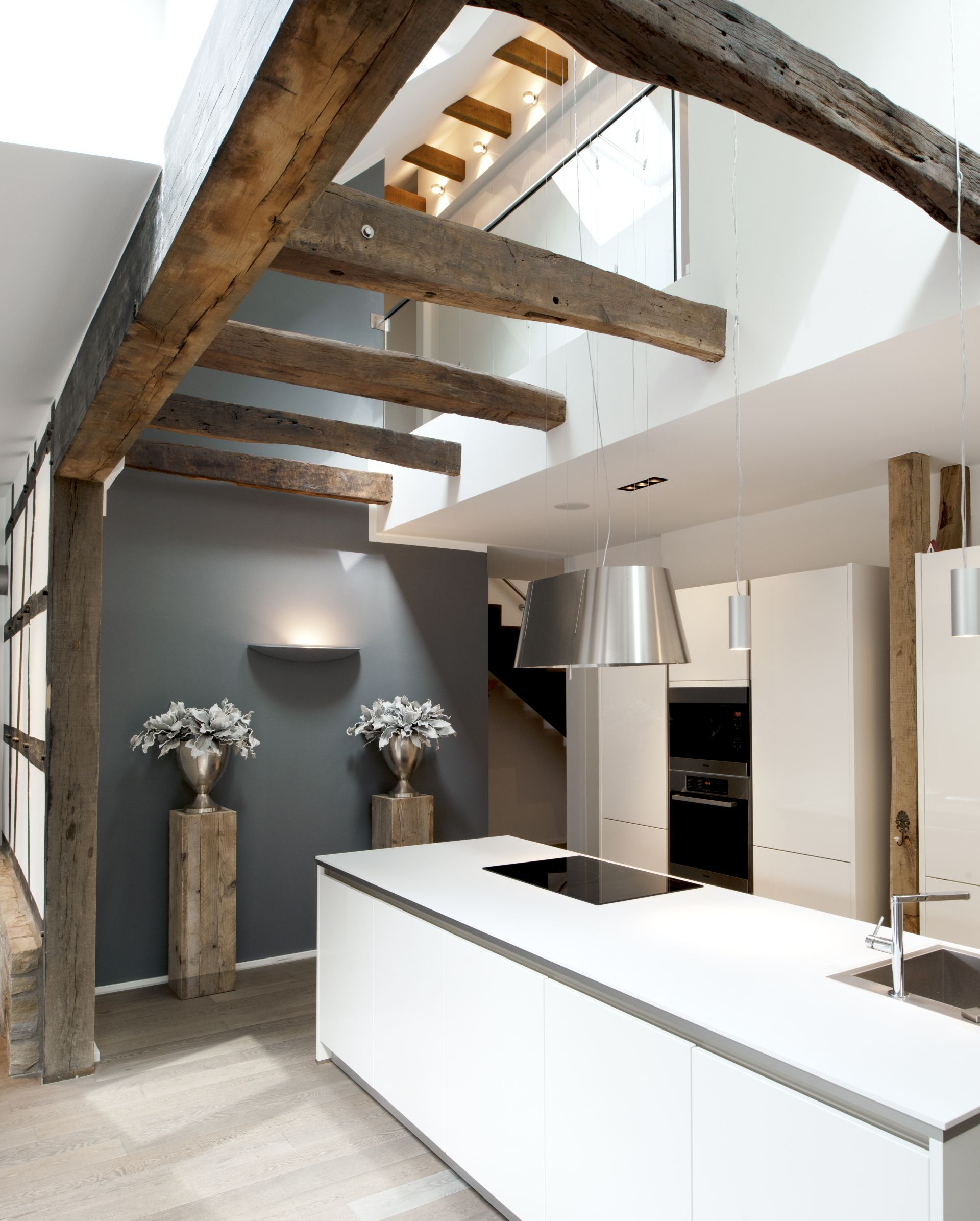 Moderne Küche in historischem Altbau - bauemotion.de